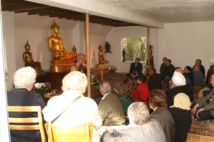 2007 Faiths Trail - Buddhist Centre